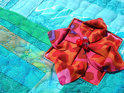 4SQS Summer Quilt Finished - 3D flower