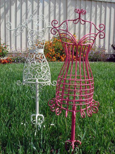 Mini wire dressforms