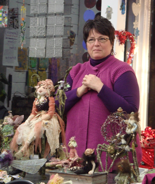 Cyndi Mahlstadt and her dolls