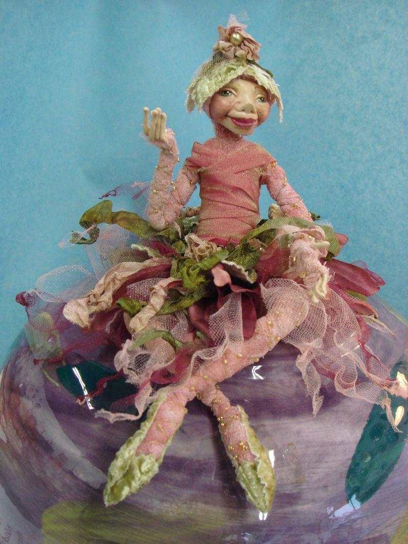 Cyndi Mahlstadt's wireform flower doll