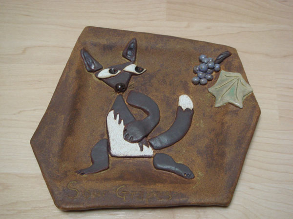 Fox and grapes plate