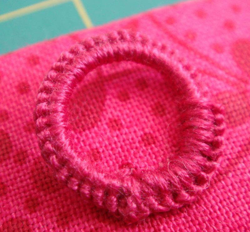 Macrame loop quilt hanger