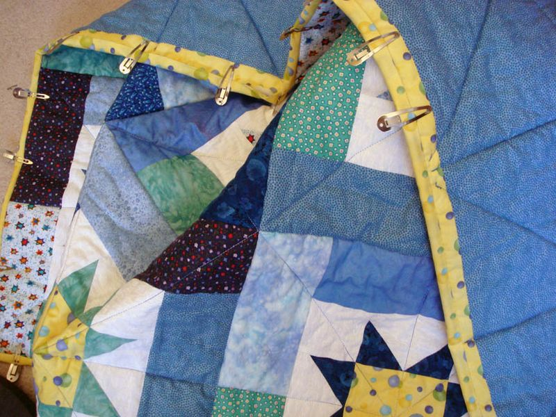 Shir Hadash quilters blue star quilt