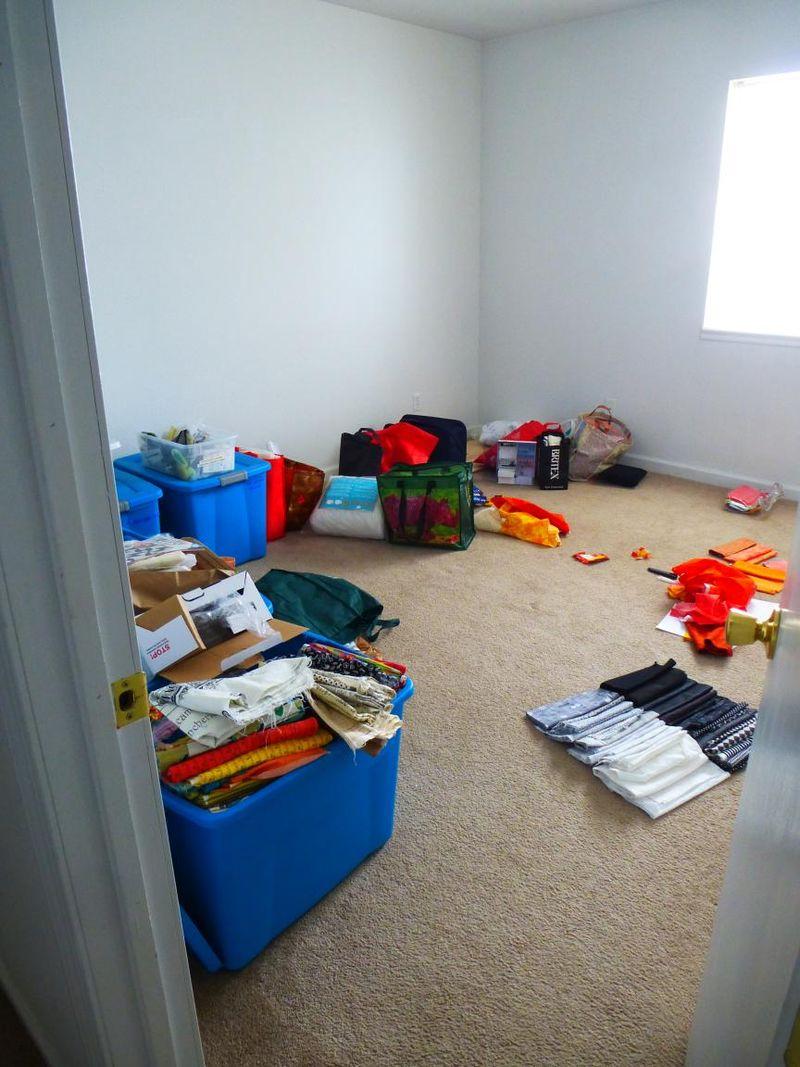 Messy studio no furniture yet