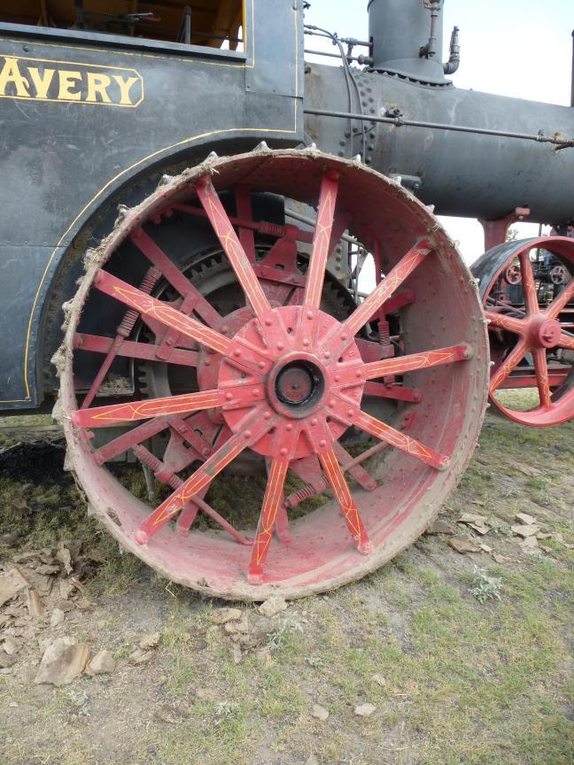 1909 Avery steam engine tractor wheel