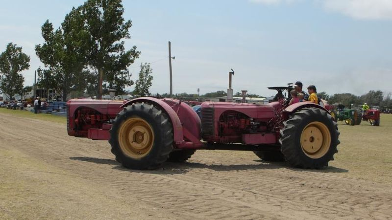 Double engine tractor