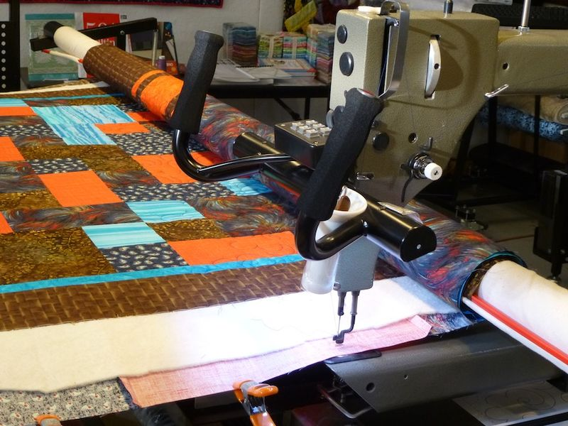 Quilting nephew D quilt on Gammill longarm