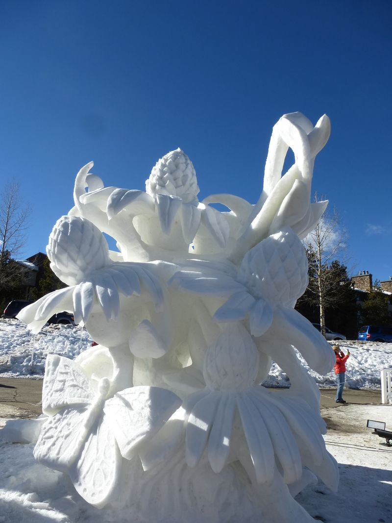 Wanderer Snow Sculpture 2014
