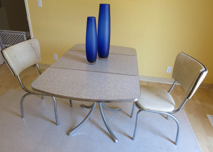 Retro dining set table extended