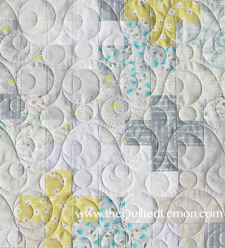 Double Bubble Pantograph on low volume quilt
