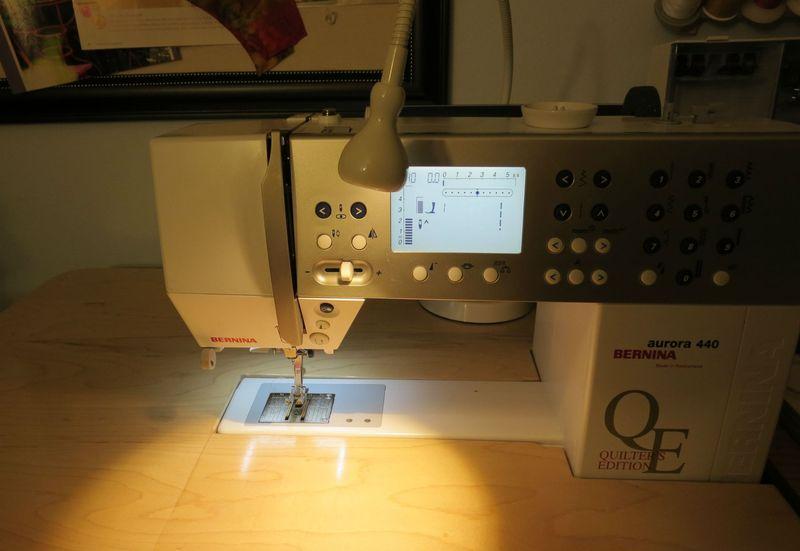 Jansjo light on sewing machine on