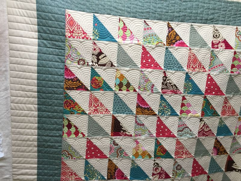 Tinas HST Quilt Finished
