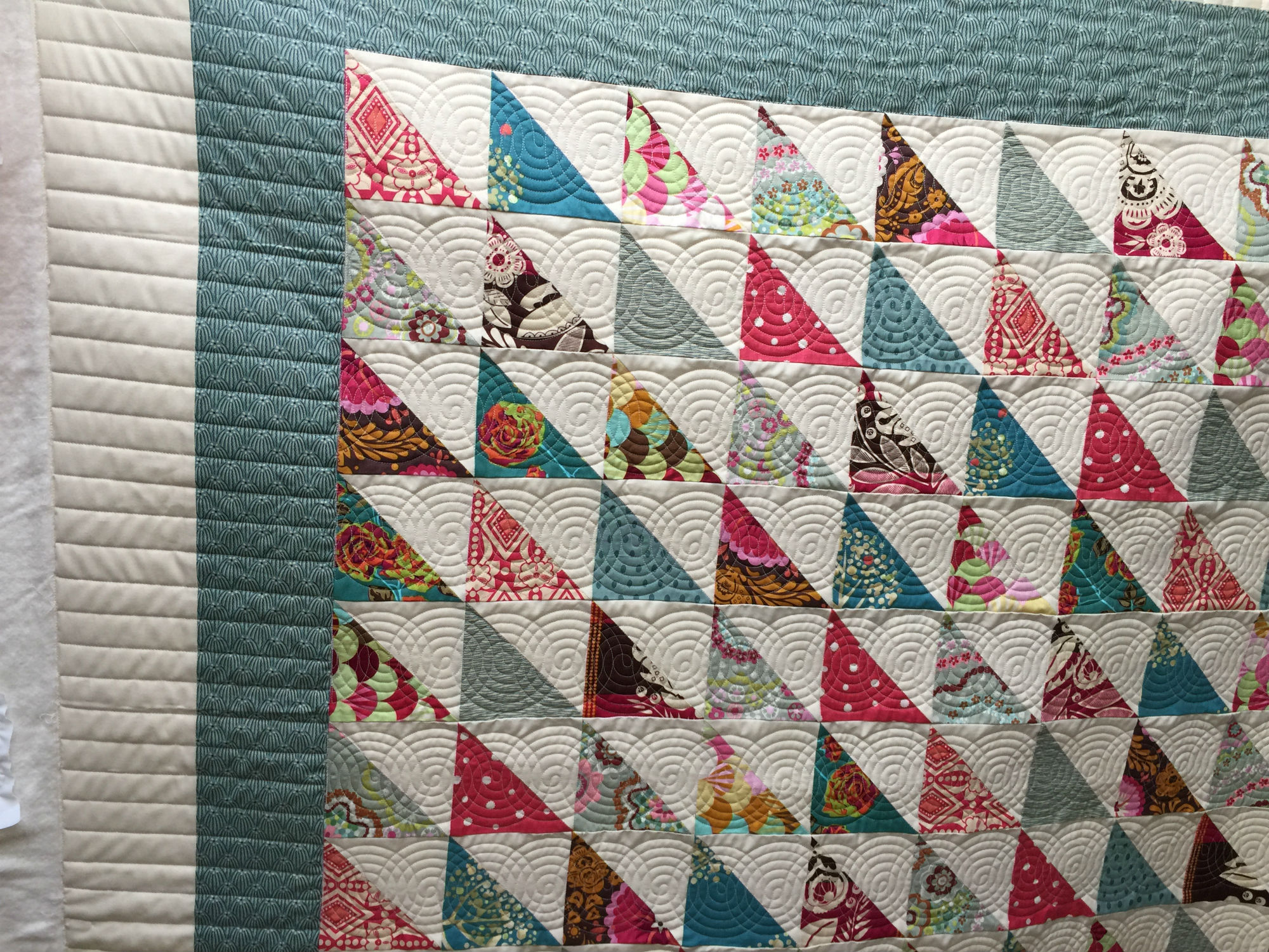 Tina's Half-Square Triangle Quilt - The Quilted Lemon : half square triangle quilt - Adamdwight.com