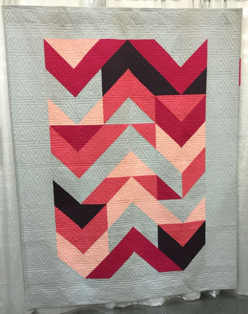 Mountain Sunrise by Anne Sullivan quilted by Tami Levin