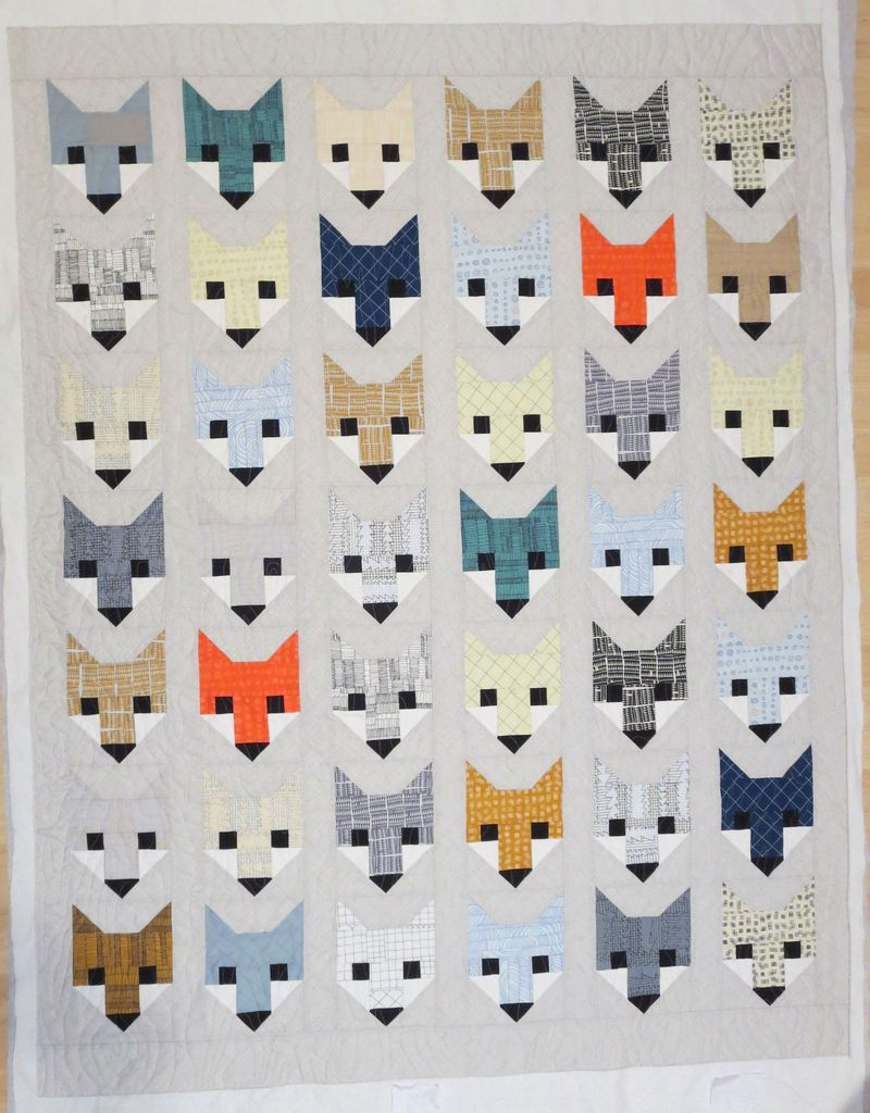 Fancy Fox Quilt with wood grain panto