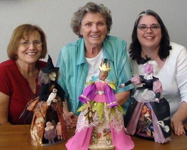 Tree Tales Theater Doll Class From Ulla Gonzo Movies Red