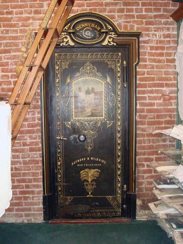 Gold_nugget_safe_door
