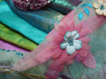 Detail_of_3d_flower_tulle_fabric