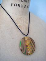 Colored_pencil_necklace