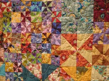 488_smashing_pinwheels_quilt_detail