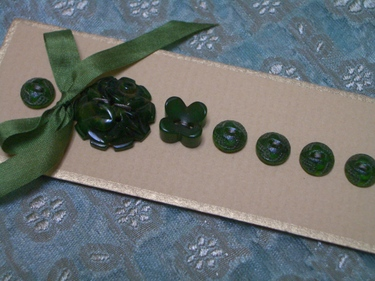 Vintage_green_buttons